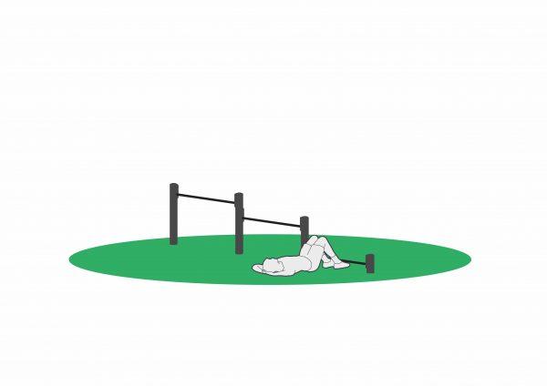 Sit ups i treningsapparat beregnet for utendørs trening