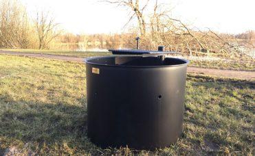 Bålsted diameter 81 cm og høyde 61 cm. Tilpasset for rullestolbrukere