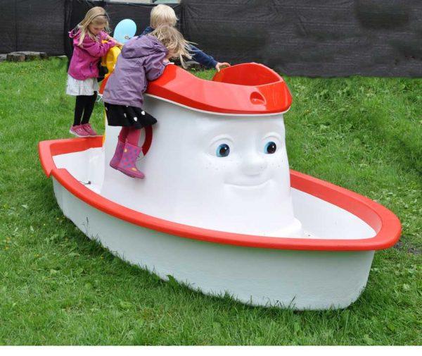 Elias båt til lekeplassen med plass til mange barn
