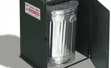 Avfallsbøtte for å kaste varm grillkull og aske