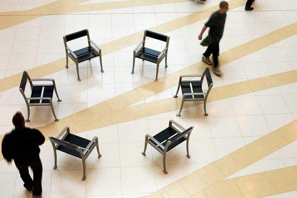 Jatoba stol lengde 0,63 meter og bredde 0,66 meter