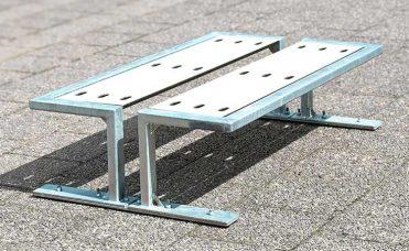 Rocky skatebenk i galvanisert stål og HPL