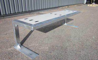 Halv skatebenk i Galvanisert stål og HPL