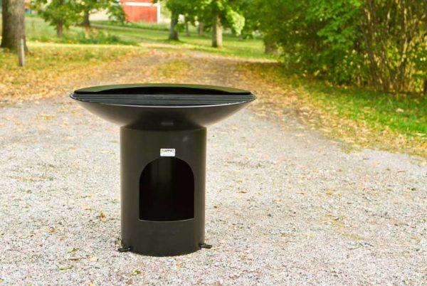 Grill i pulverlakkert stål for offentlige miljø