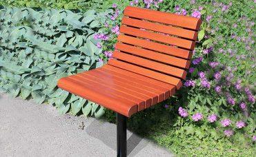 Parkstol for nedstøping i tre og stål