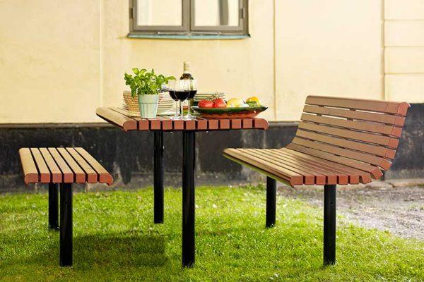 yarden bord i tre og metal med ulik fargevalg
