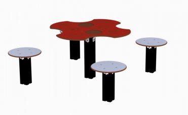 Bakebord til lekeplassen med fire krakker